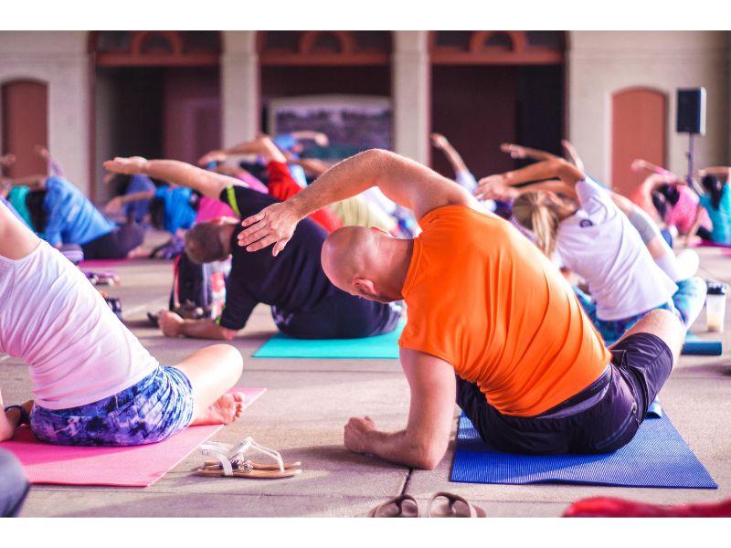 wellness-workplace-corporate-yoga-hero