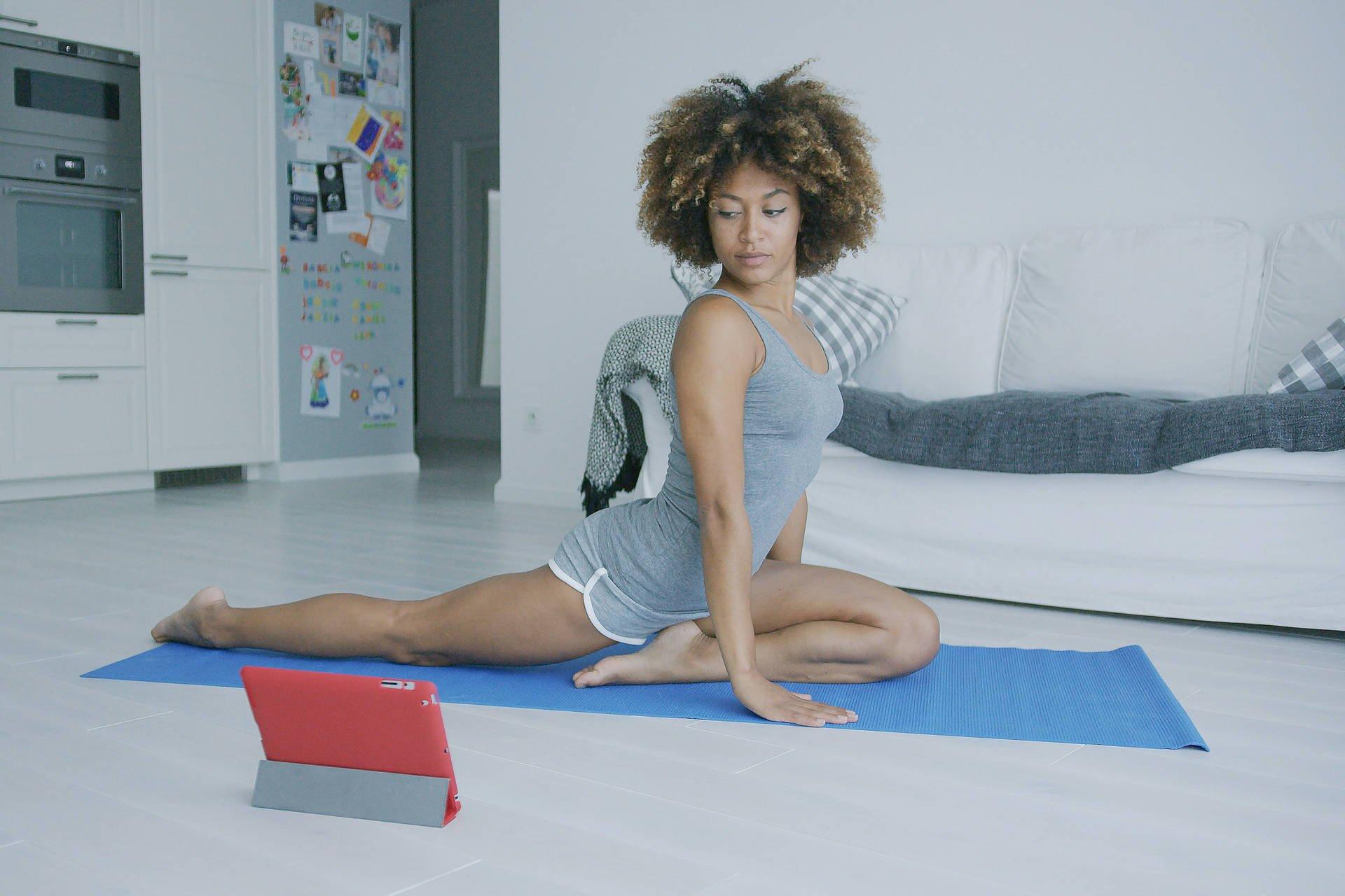 large_yoga_livestream
